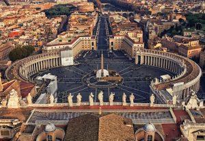 Pogled na Trg Svetog Petra u Vatikanu