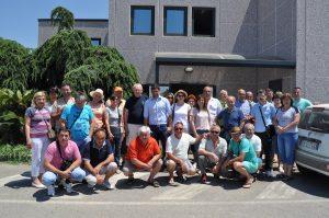 Na kraju posete na ulazu u kompaniju napravljen je izajednički snimak za uspomenu na lepe trenutke provedene u Salernu.